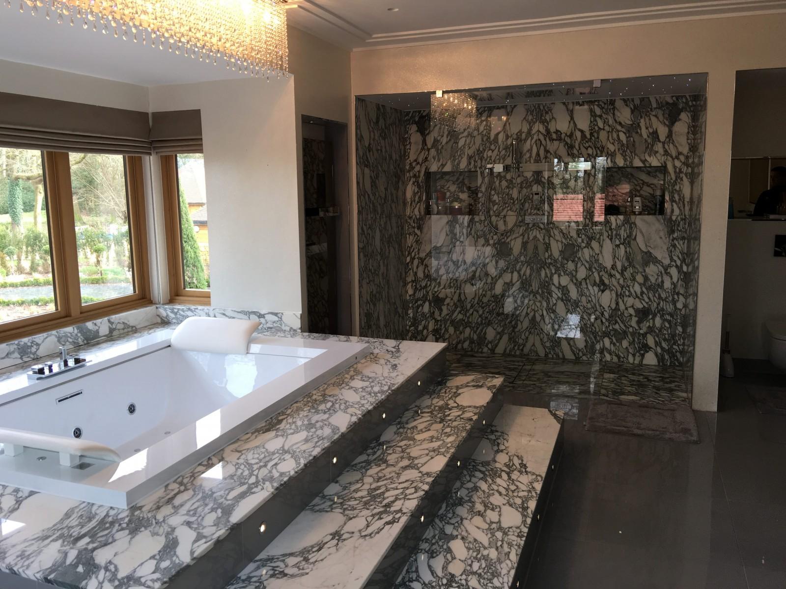 Arabescato Marble stone bath surround bathroom 1