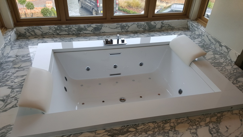 Dorset Home, Arabescato Marble bath surround-4