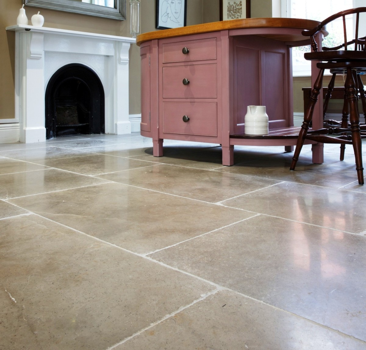 lucca tumbled limestone flooring tiles 1
