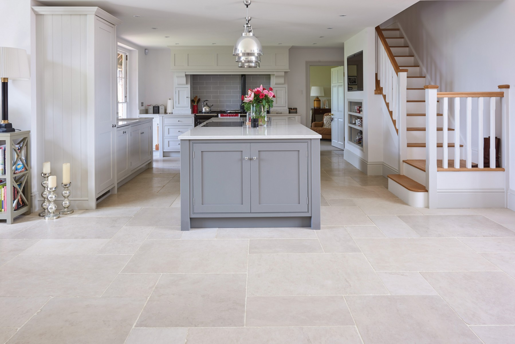 Lunar Limestone flooring Tumbled Dutch Pattern 2