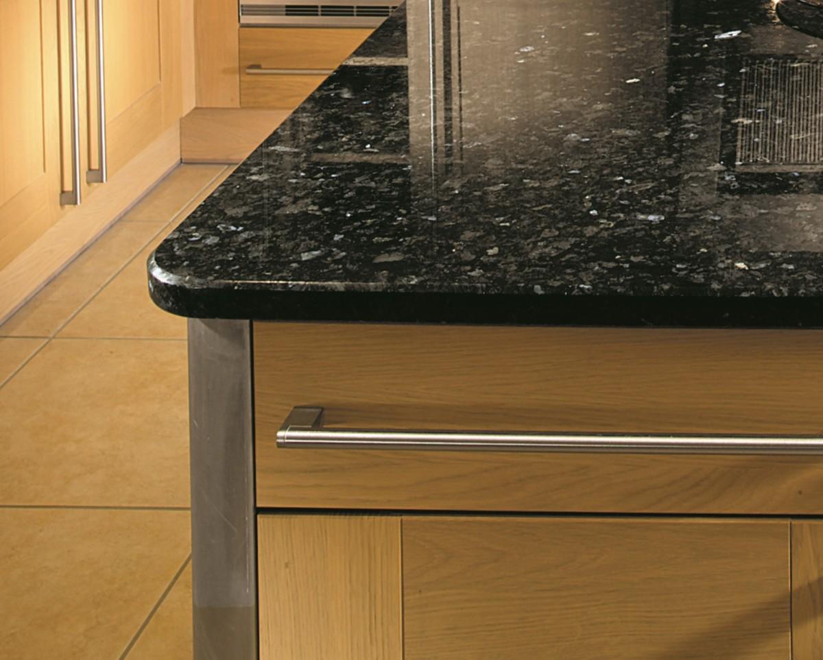 5×5 Chamfered edge detail kitchen worktops 1